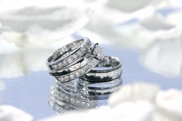 diamond jewelry store, pawn shop that sells jewelry