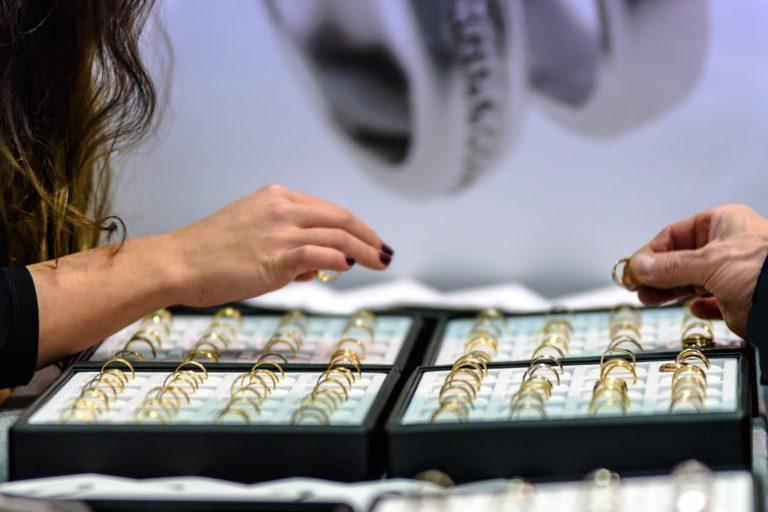 cash jewelry loan colorado springs pawn shop Acme Pawn